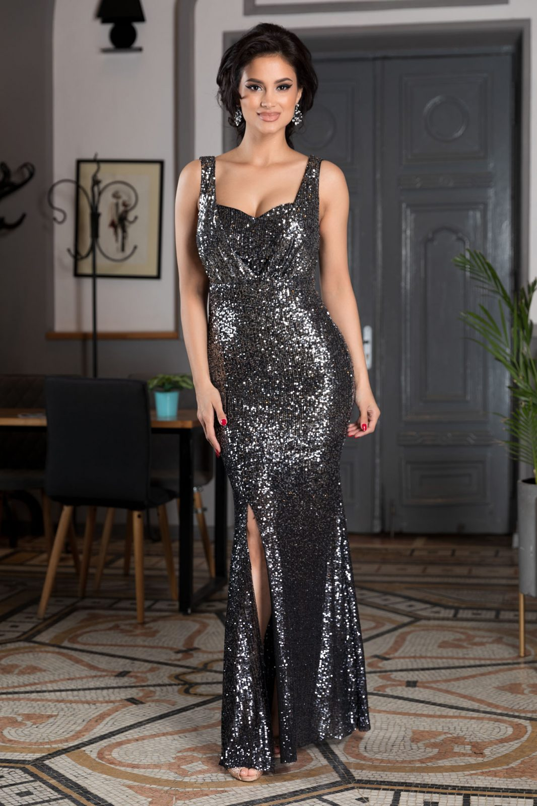 Night Diva Black Dress
