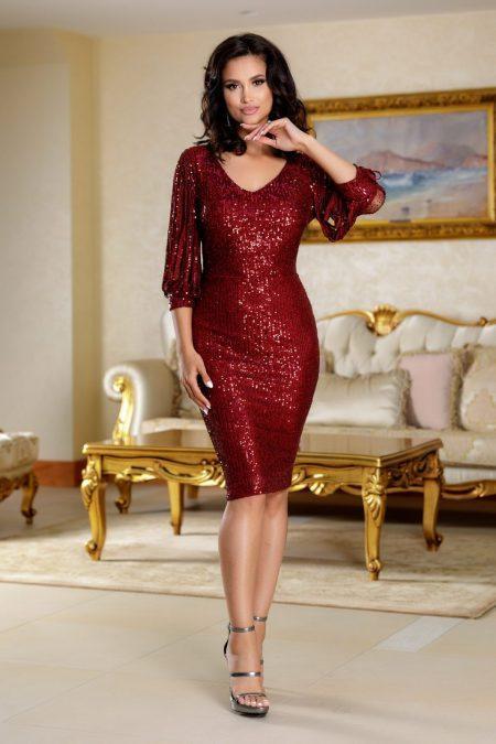 Katriss Burgundy Dress