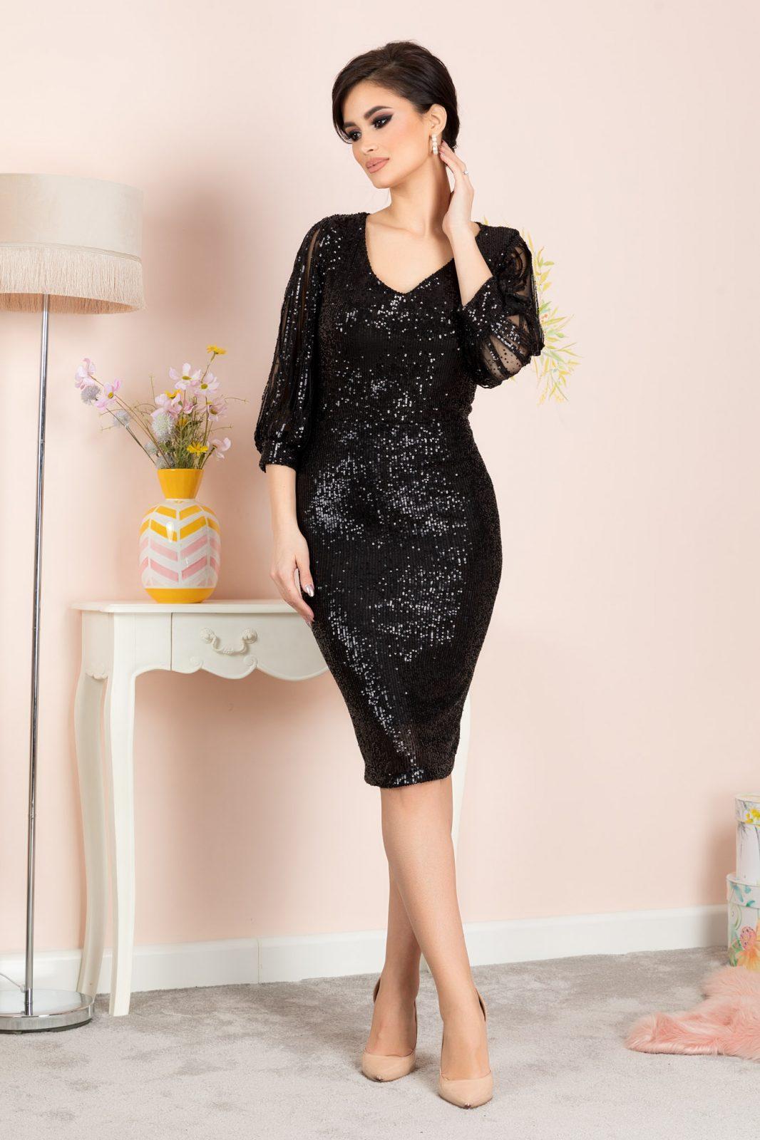 Katriss Black Dress