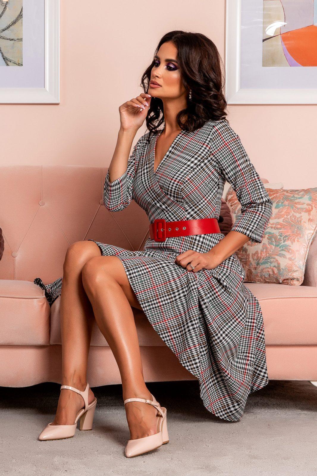 Καρό Φόρεμα Με Κόκκινη Ζώνη Viviette 8261
