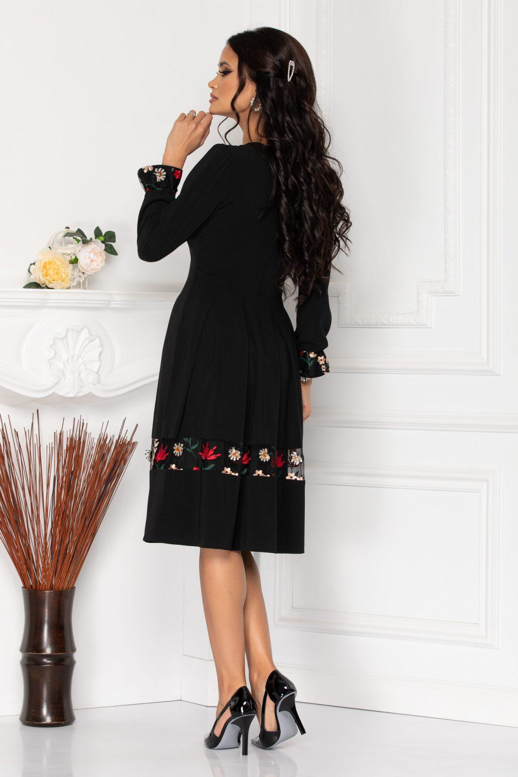 Μαύρο Φόρεμα Με Κέντημα Moze Becca 8495