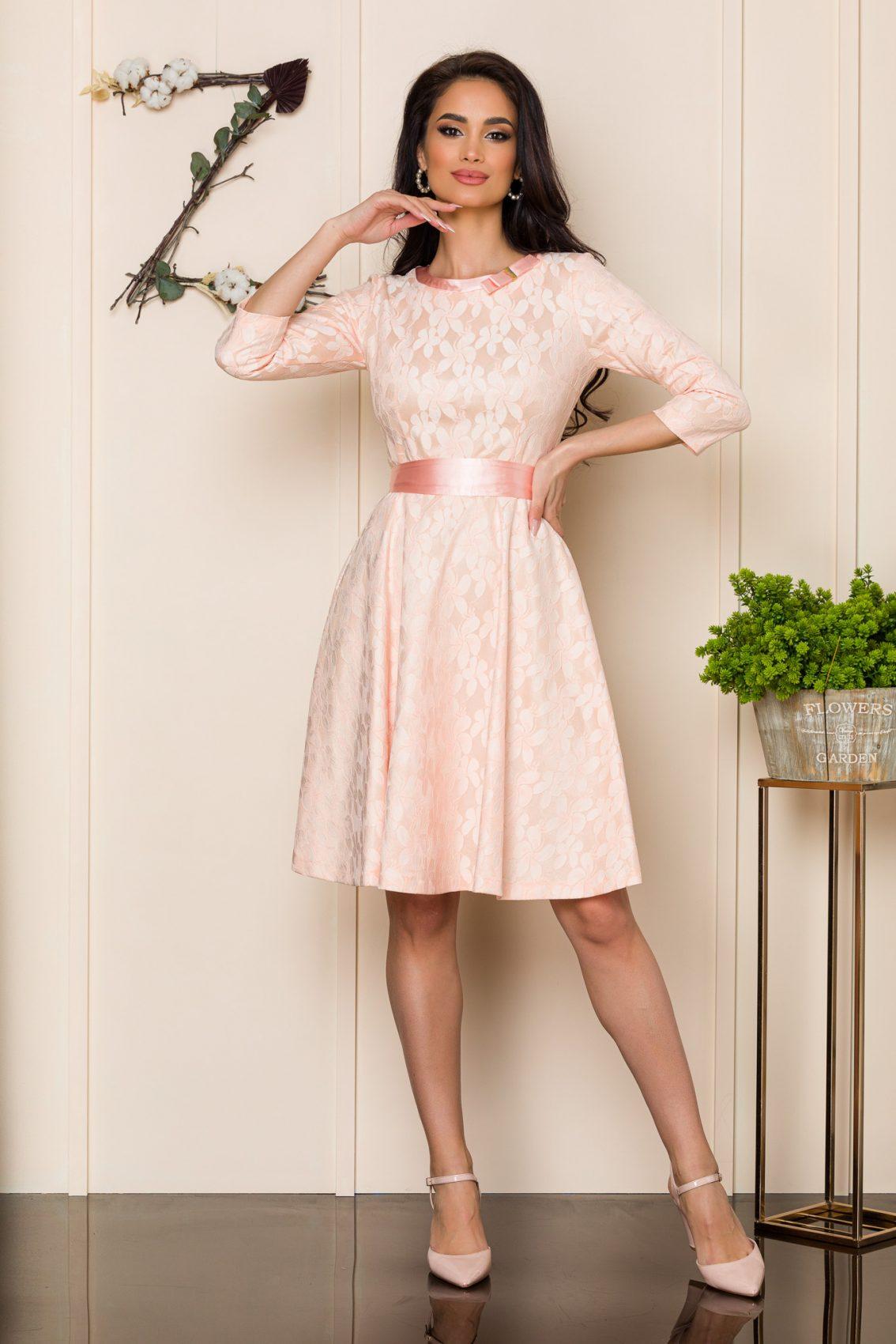 Ροζ Φόρεμα Από Δαντέλα Shelby A181 1