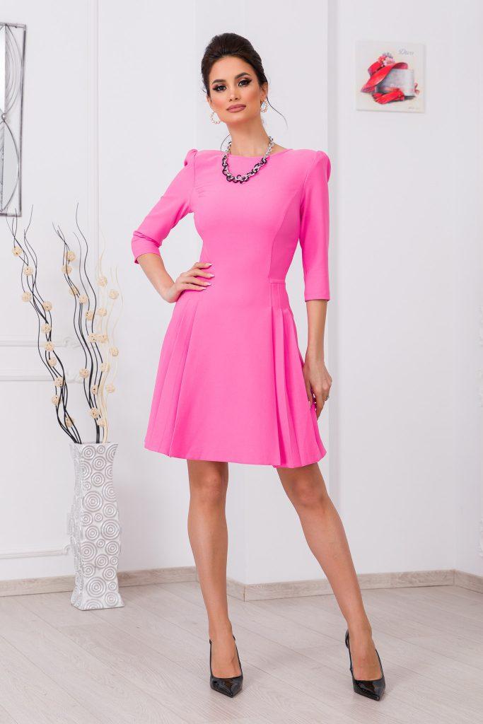 Ροζ φόρεμα | Πώς θα πετύχετε μια τέλεια εμφάνιση 8