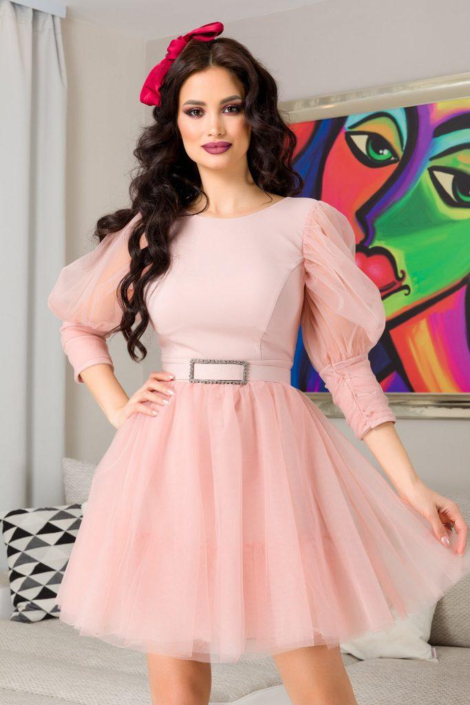Ροζ φόρεμα | Πώς θα πετύχετε μια τέλεια εμφάνιση 1