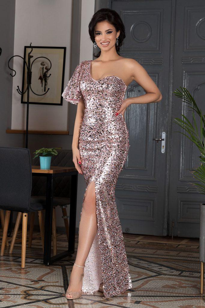 Ροζ φόρεμα | Πώς θα πετύχετε μια τέλεια εμφάνιση 4