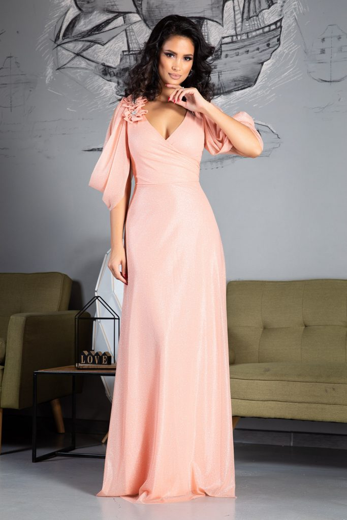 Ροζ φόρεμα | Πώς θα πετύχετε μια τέλεια εμφάνιση 6