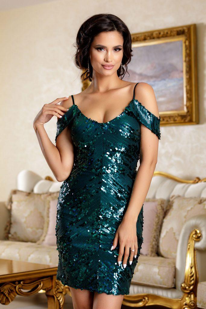 Πράσινο φόρεμα | Πώς μπορείς να το συνδυάσεις 13